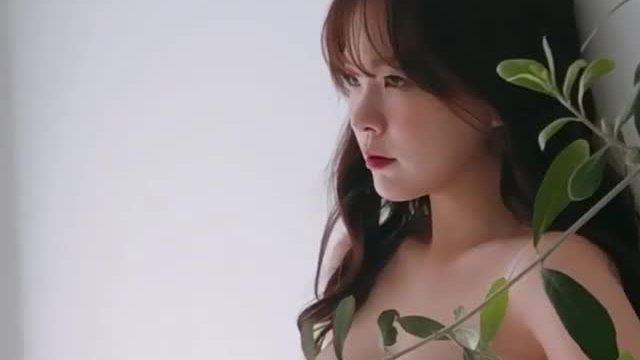Thiên thần Lee Ha Neul