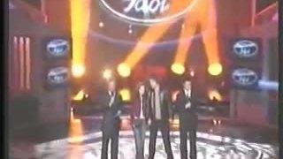Kelly Clarkson thắng American Idol 2002