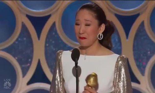 Sandra Oh khi lên nhận giải
