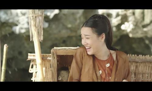 Nhã Phương đóng vai người yêu Trạng Quỳnh trong phim