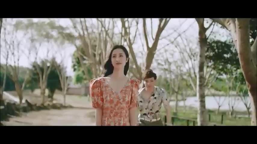 Trích đoạn MV 'Chạm đáy nỗi đau'