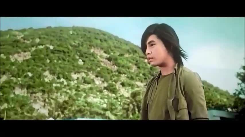 Trích MV 'Thương em là điều anh không thể ngờ'