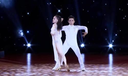 Phan Hiển nhảy rumba với Khánh Thi