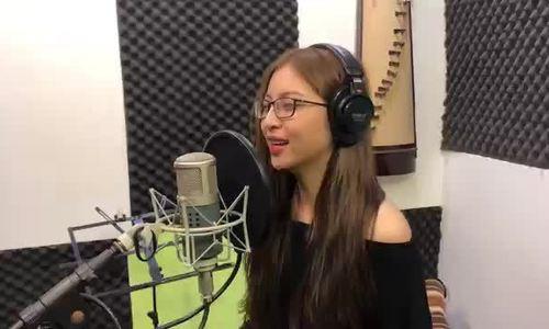 Giọng hát của bạn gái Quang Hải