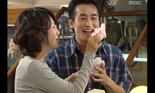 """Kim Nam Joo - Cha In Pyo  trong phim """"Nhà nàng"""""""