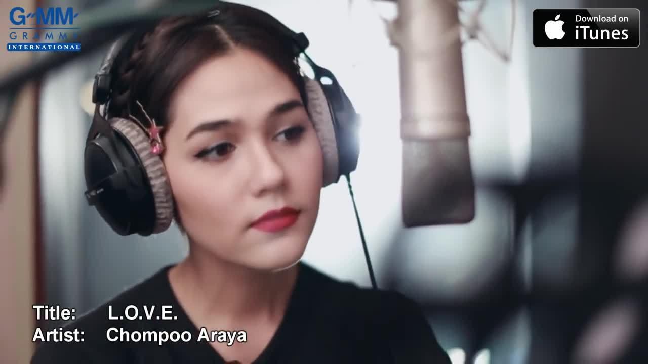 """Chompoo Araya hát """"L.O.V.E"""""""