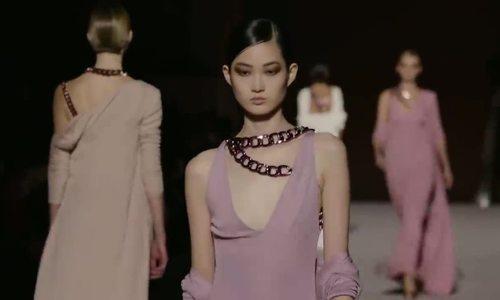 Đầm lụa của Tom Ford Thu Đông 2019
