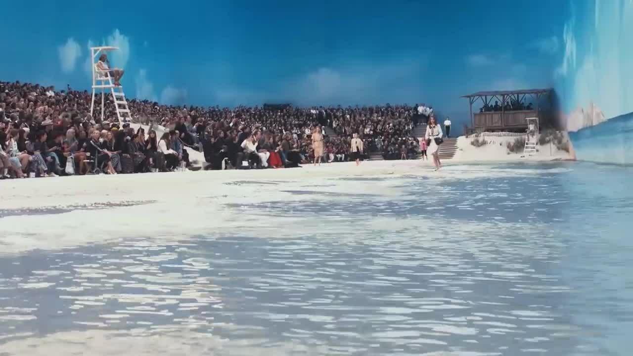 Loạt sàn diễn gây kinh ngạc của Chanel trong một thập kỷ qua