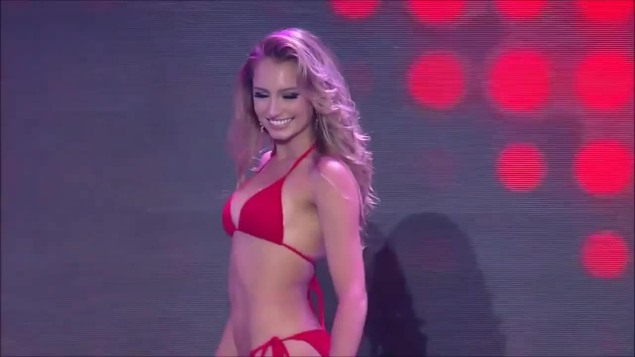 Hoa hậu Hoà bình 2015 bị thu hồi danh hiệu