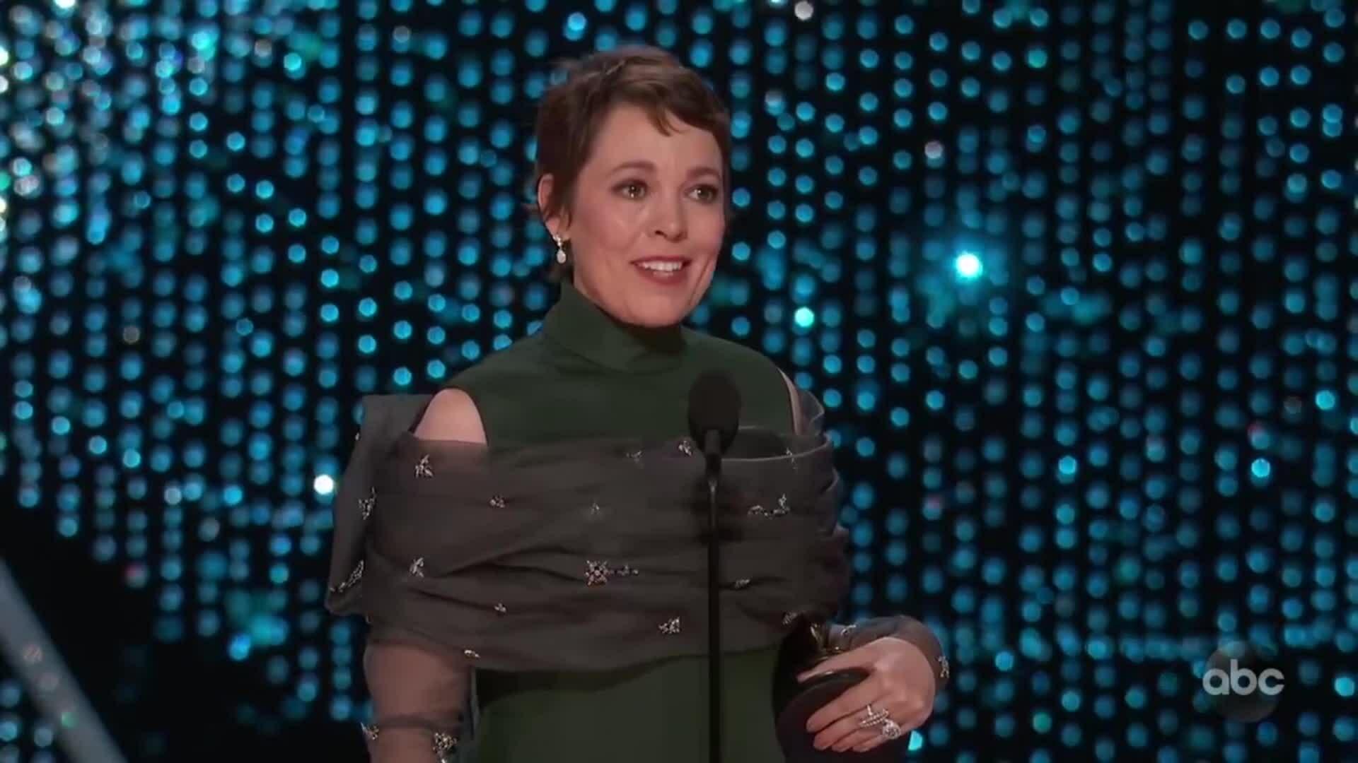 Olivia Colman phát biểu khi nhận tượng vàng nữ chính ở Oscar 2019