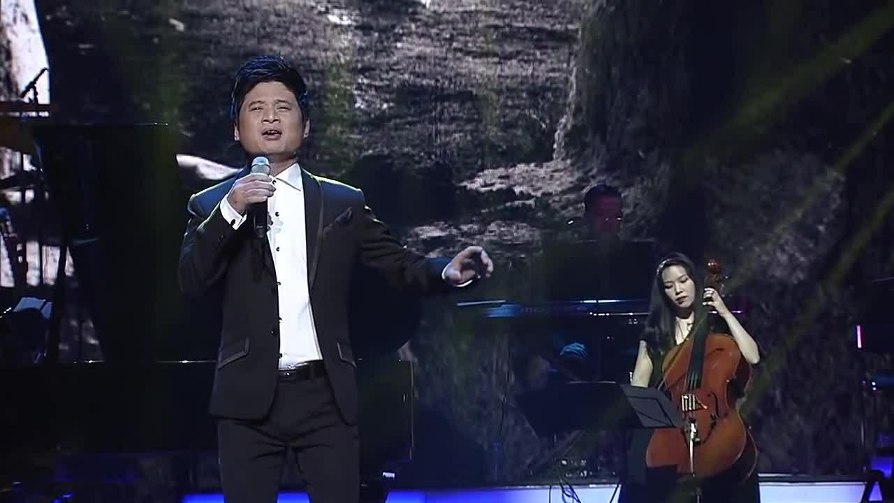 Tấn Minh hát 'Mẹ'