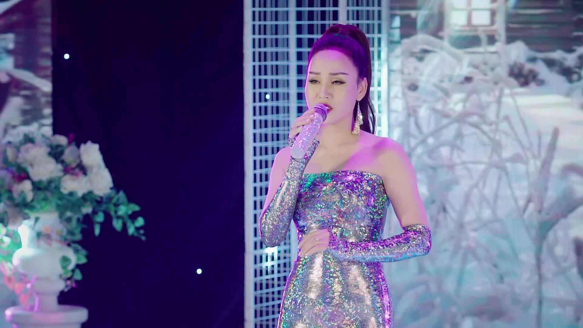 'Sao Mai' Khánh Ly hát về tình yêu tan vỡ