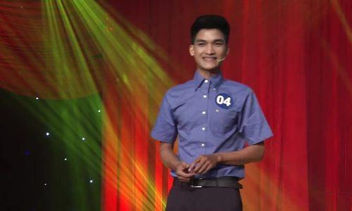 Mạc Văn Khoa diễn hài trong 'Cười xuyên Việt' 2015