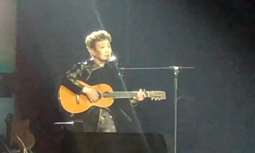 Tokiko Kato hát 'Diễm xưa' và 'Ngủ đi con' bằng tiếng Nhật
