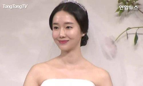 Lee Jung Hyun trong đám cưới