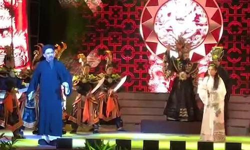 Thành Lộc, Trinh Trinh diễn xuất trong trích đoạn 'Tiên Nga' sáng 19/4