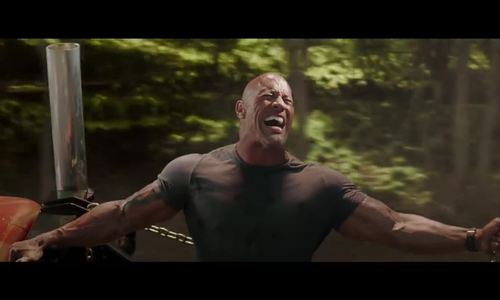 The Rock kéo trực thăng trong ngoại truyện 'Fast & Furious'