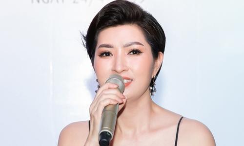 Nguyễn Hồng Nhung hát 'Xin lỗi' (Hồ Tiến Đạt sáng tác) bên nhạc sĩ Vĩnh Tâm hôm 24/4