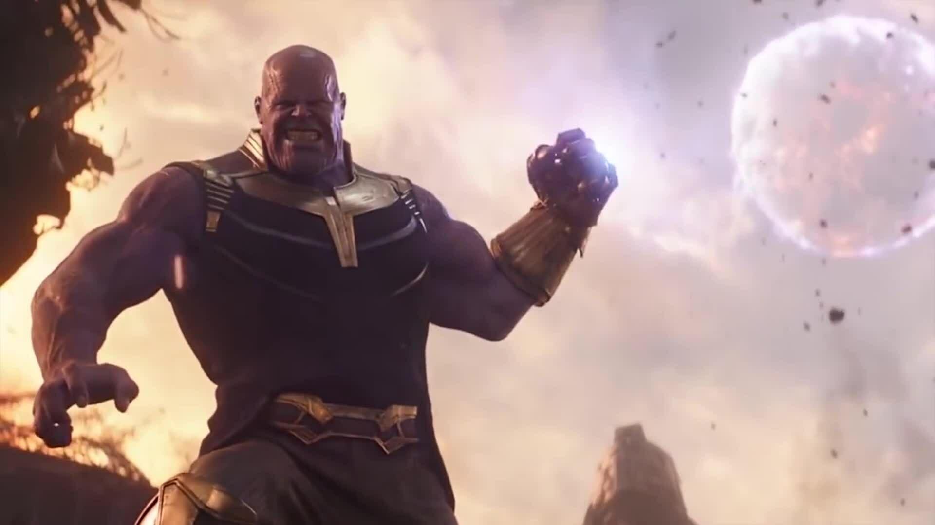 Thanos đấu dàn người hùng trên hành tinh Titan trong Avengers: Infinty War (2018)