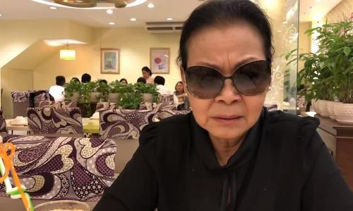 Khánh Ly: 'Không nên chuyển mộ phần Trịnh Công Sơn về Huế'
