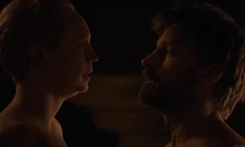 Cảnh nóng của Brienne và Jamie trong game of Thrones