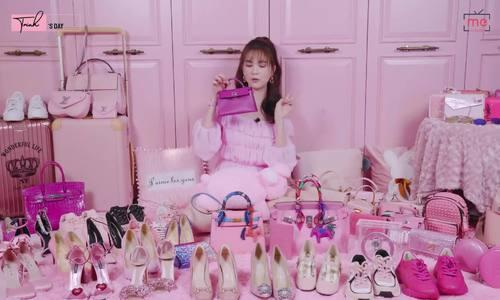 Ngọc Trinh giới thiệu bộ sưu tập hàng hiệu màu hồng giá 7 tỷ