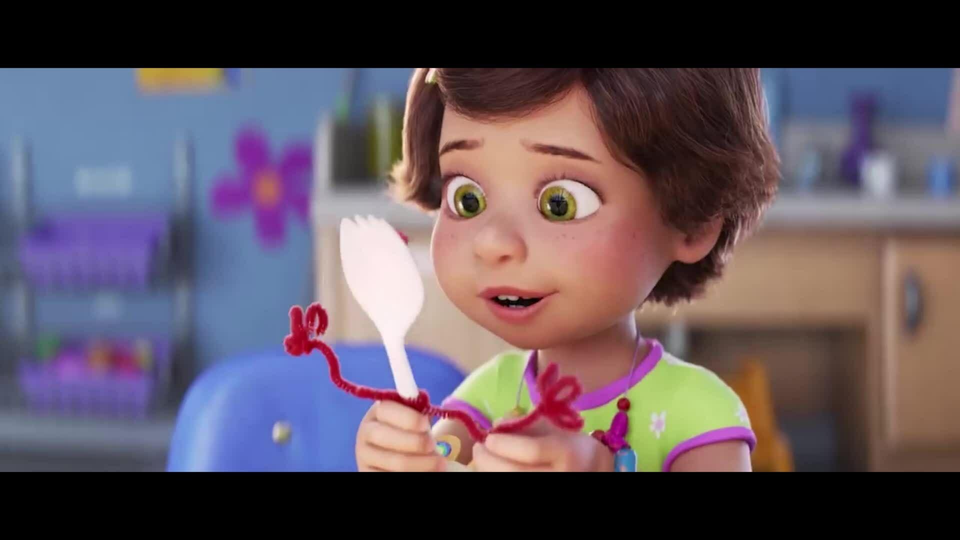 Toy Story 4 kể chuyện chiếc nĩa hòa nhập thế giới đồ chơi