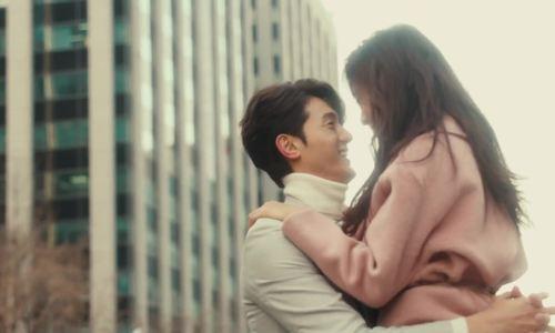 Lee Ki Woo và Lee Chung Ah chụp quảng cáo