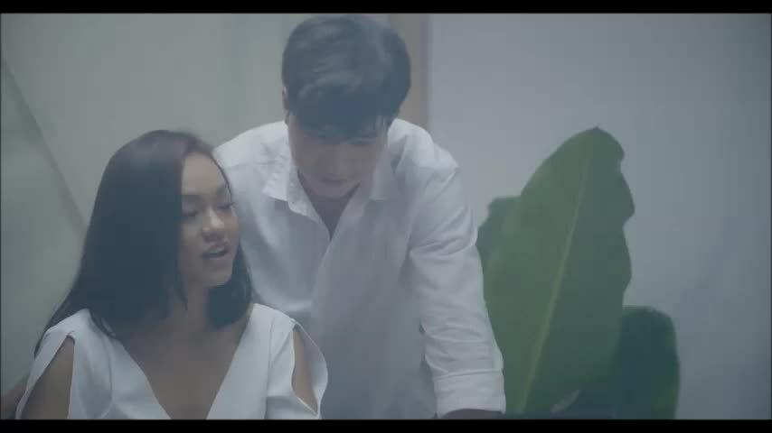 Quang Hà kể chuyện chia tay bạn gái trong MV mới