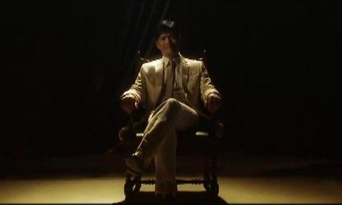 """Lữ Lương Vỹ hát nhạc phim """"Bến Thượng Hải"""""""