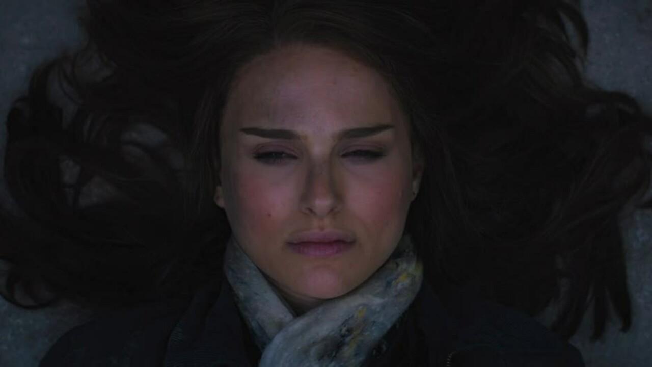 Natalie Portman vào vai Jane Foster trong Thor