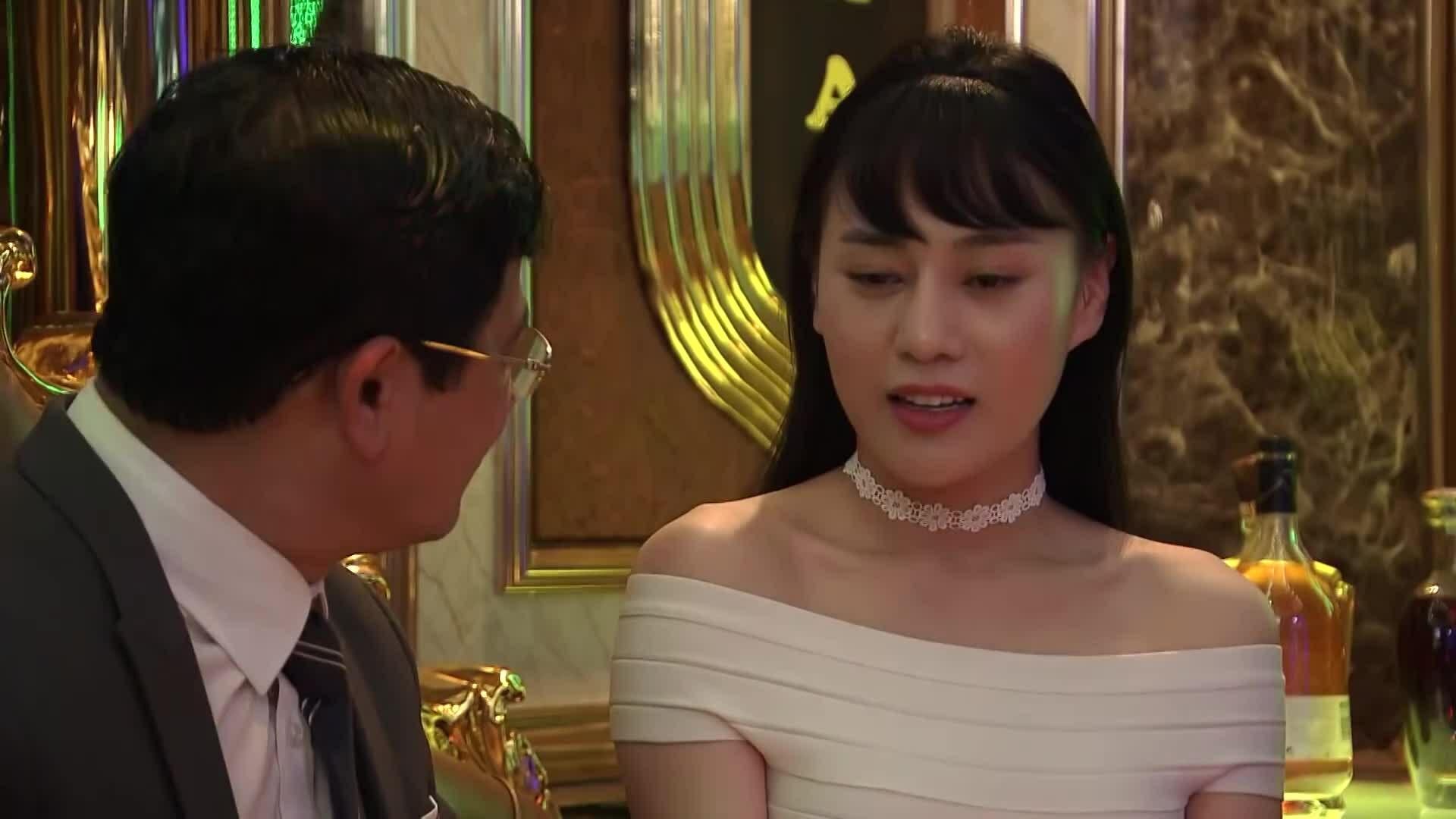 Phương Oanh trong phim 'Quỳnh Búp Bê'