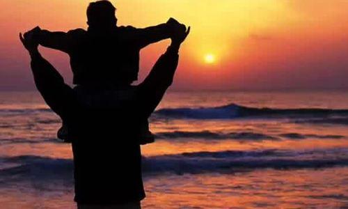"Rod Stewart hát ""Father and son"""