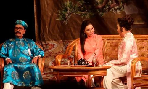 Hồng Đào, Thanh Hằng, Thanh Điền diễn hài trong cảnh gia đình ông Phủ