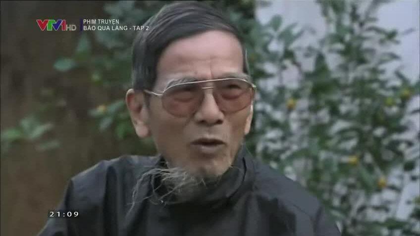 """Trần Hạnh trong phim """"Bão qua làng"""""""