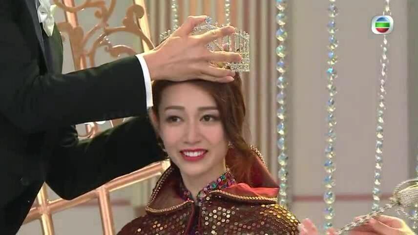 Hoàng Gia Văn Miss Hong Kong 2019