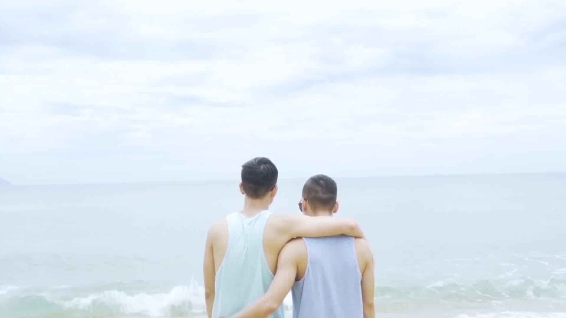 Adrian Anh Tuấn và bạn đời đồng tính đi khắp thế giới
