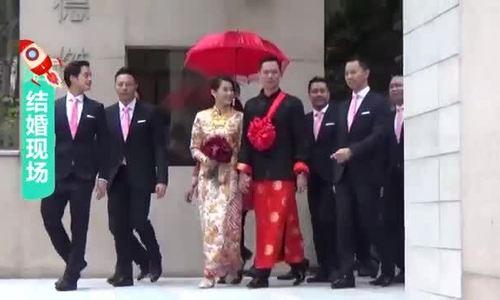 Vợ chồng Hồ Hạnh Nhi ngày cưới