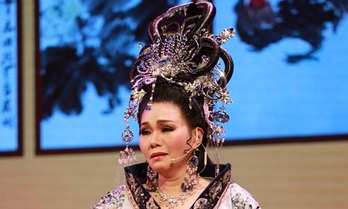 Khán giả vỗ tay khi Ngọc Huyền xuống vọng cổ trong 'Dương Quý Phi'