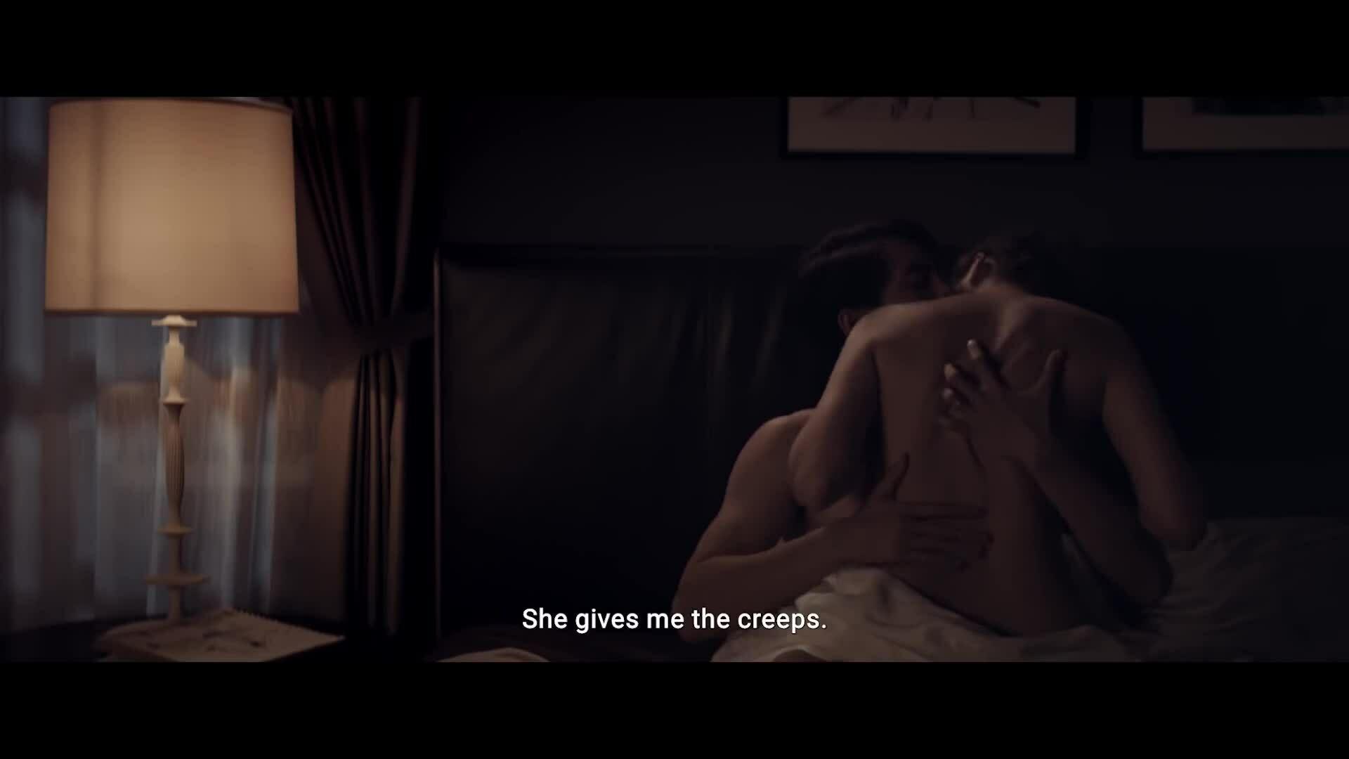 Thanh Hằng khỏa thân đóng cảnh nóng trong trailer 'Chị chị em em'