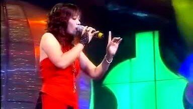 Ngọc Khuê hát 'Bà tôi'
