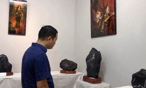 Sự kiện trưng bày ảnh nude trên đá của Thái Phiên