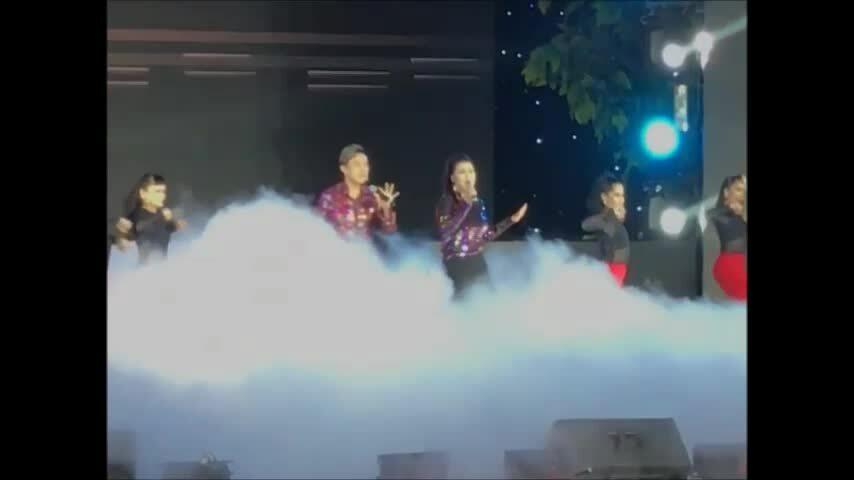 Chí Tài cùng vợ hát 'Yêu'