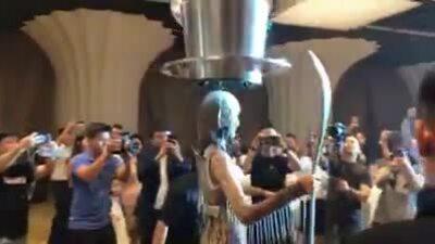 Video quốc phục 'Cà phê' dự thi Miss Universe 2019 của Hoàng Thùy