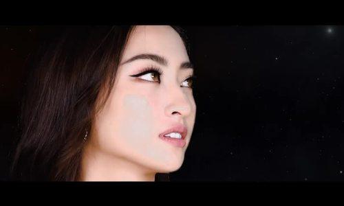 """Lương Thùy Linh hát """"A Million Dreams"""""""