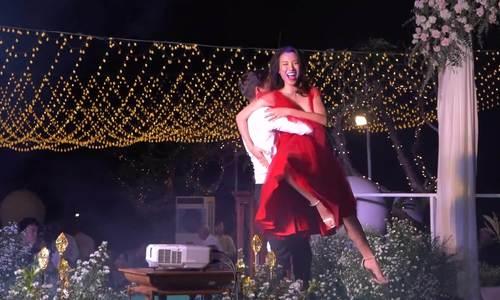 Hoàng Oanh khiêu vũ cùng chồng trong hôn lễ