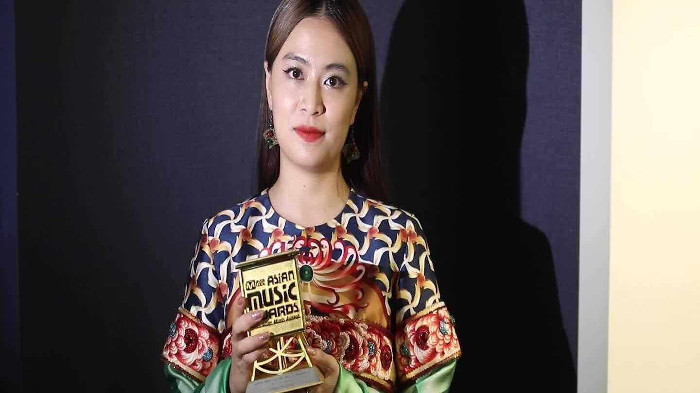 Hoàng Thùy Linh nhận giải âm nhạc châu Á Mnet