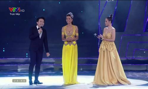 H'Hen Niê khóc trong chung kết Miss Universe