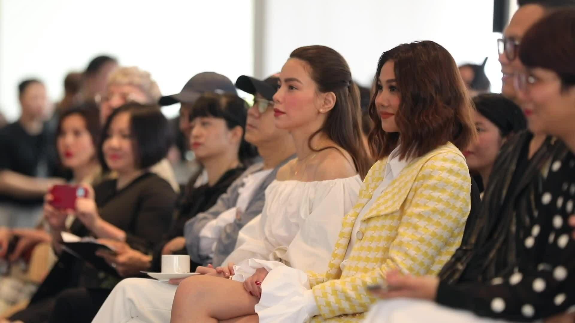 Công Trí tổ chức triển lãm thời trang