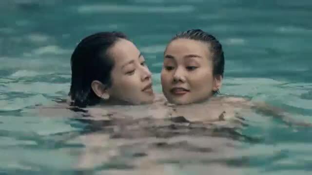Chi Pu hát nhạc phim Chị chị em em